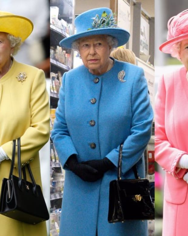 8-surprising-things-queen-elizabeth-carries-in-her-handbag