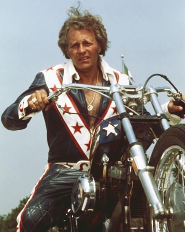 evel-knievel-legendary-motorcycle-daredevil