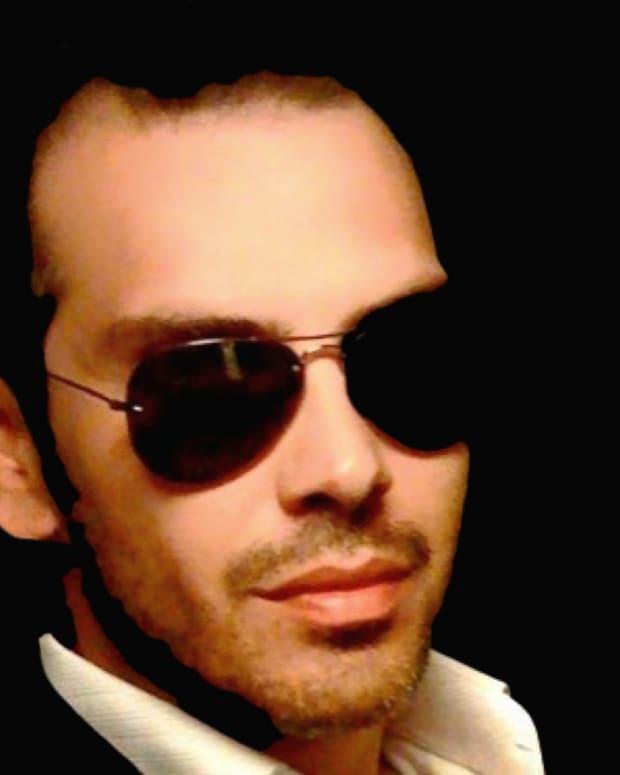 an-interview-with-retrosynth-artist-iammanolis