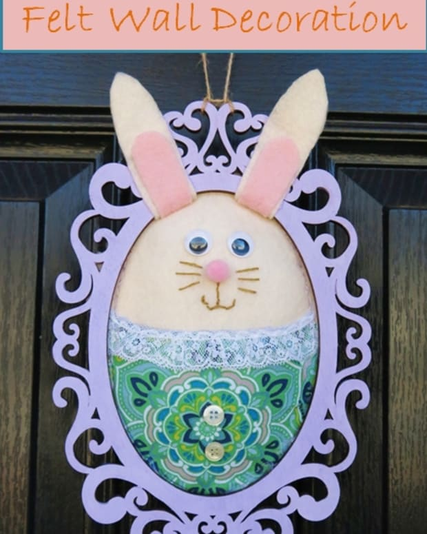 diy-easter-bunny-felt-wall-decoration