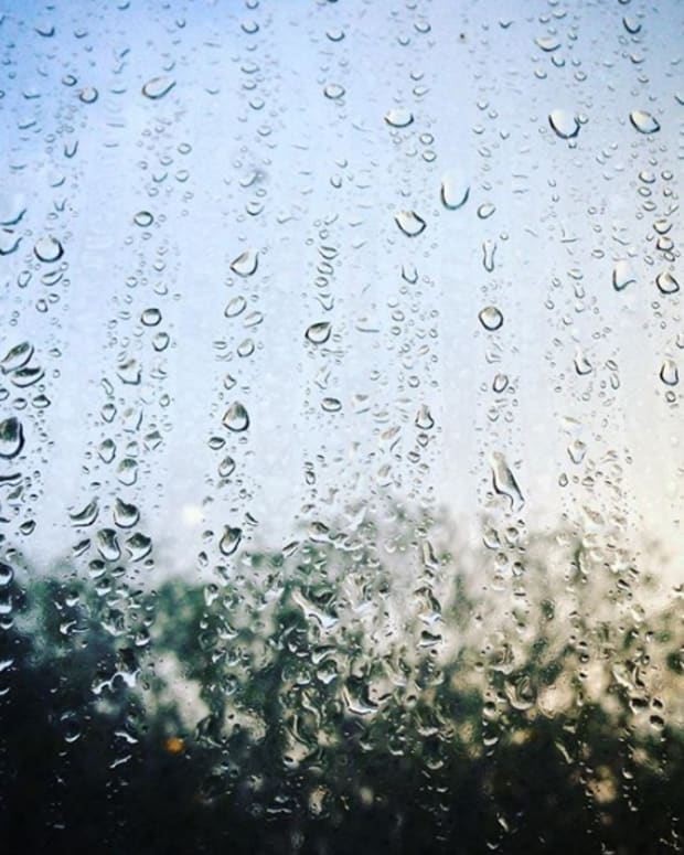 poem-miss-rain-with-the-blue-scarf