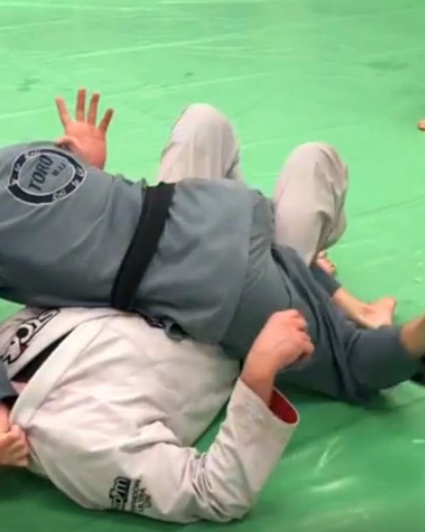 how-to-crossface-to-pass-half-guard