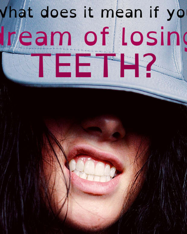 teeth-falling-out-dream