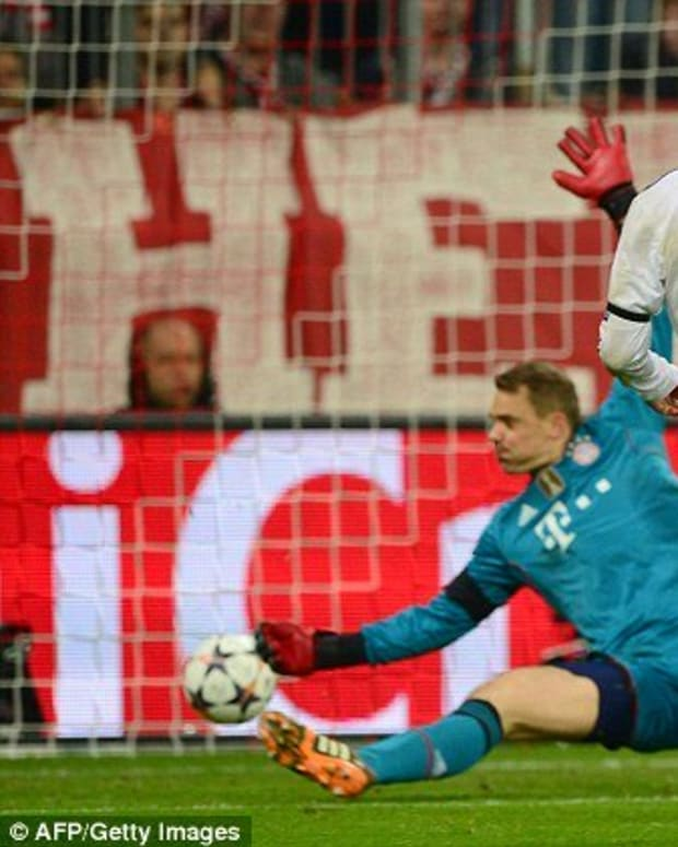 world-class-goalkeepers-who-cr7-has-scored-against