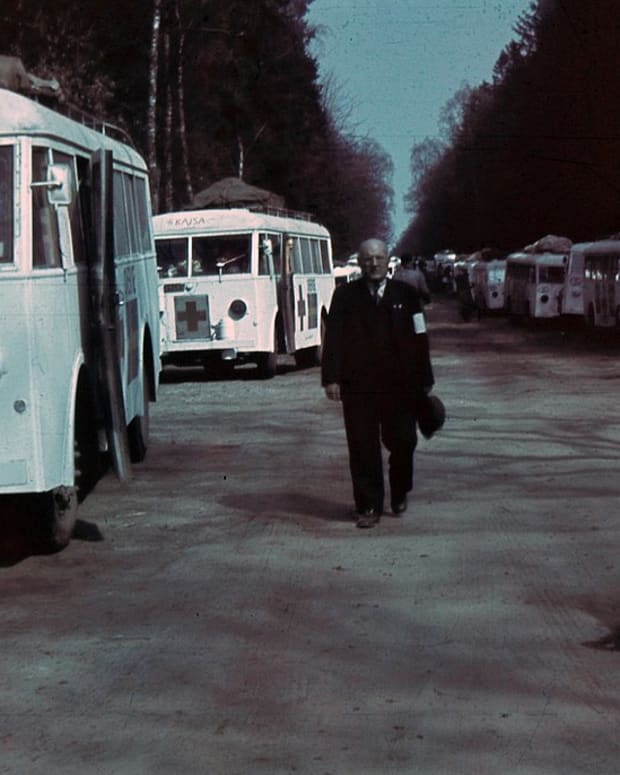 the-white-bus-rescue-of-holocaust-victims