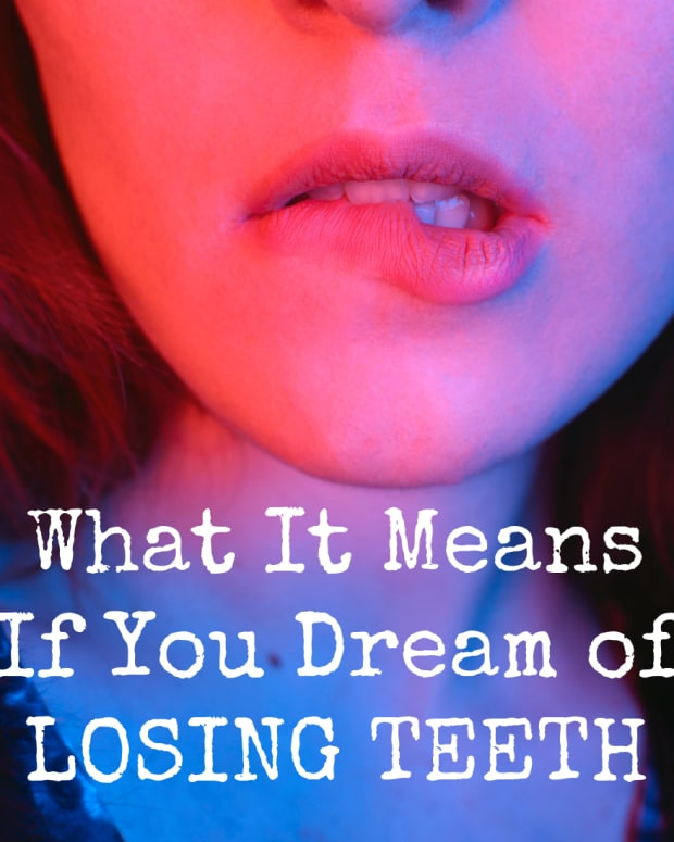 dreaming-teeth-symbol-meaning