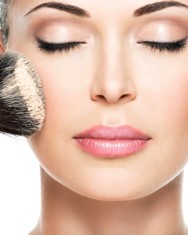 avoid-these-beauty-mistakes-that-age-you
