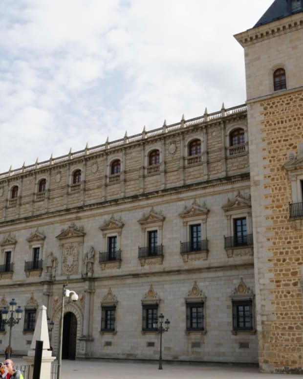 visiting-the-alcazar-of-toledo-spain