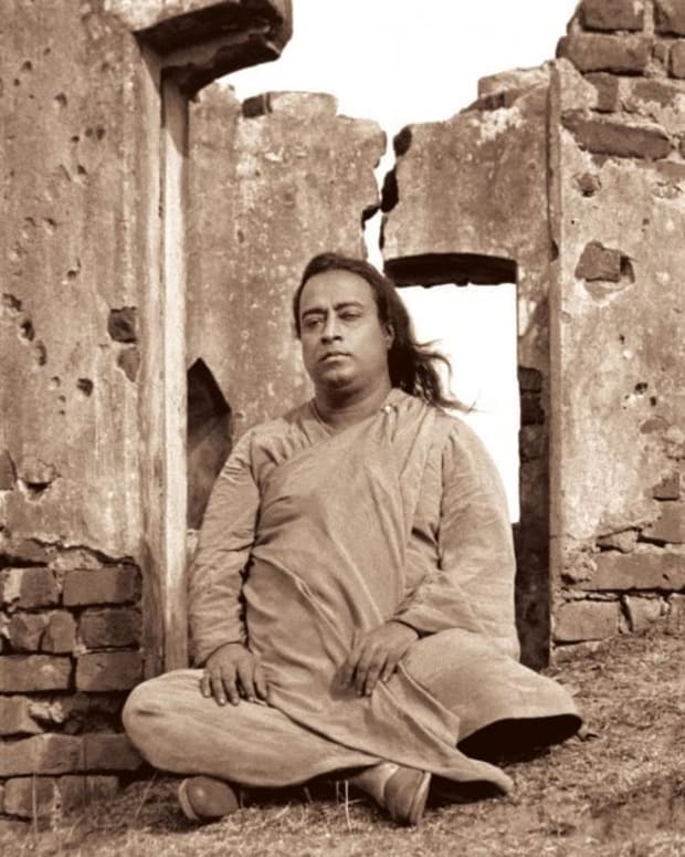 "Paramahansa Yogananda's ""Thy Secret Throne"""