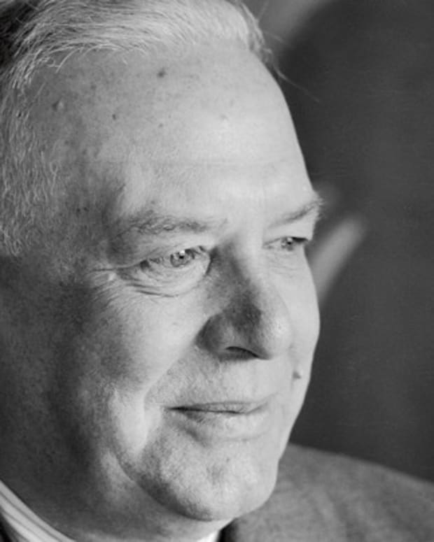 analysis-of-poem-sunday-morning-by-wallace-stevens