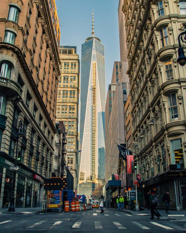 an-ordinary-day-through-the-lens-of-an-extraordinary-city