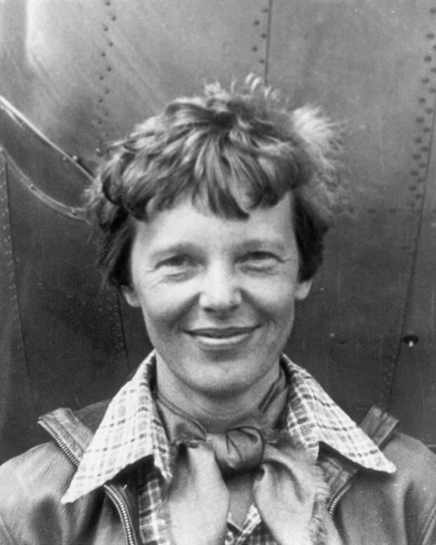 what-really-happened-to-amelia-earhart