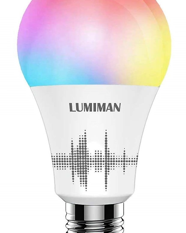 review-of-lumiman-smart-multi-color-light-bulb