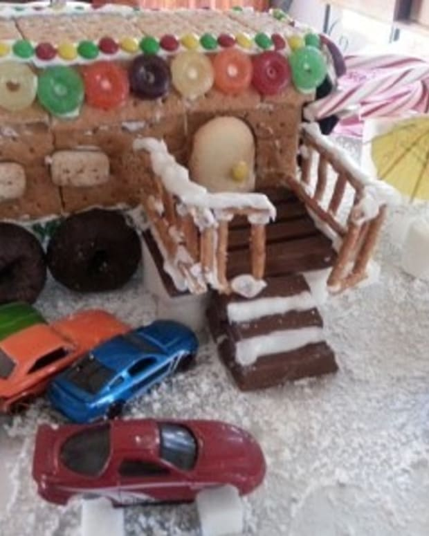 how-to-make-a-redneck-gingerbread-house-in-10-easy-steps