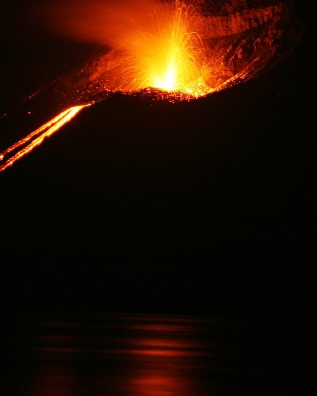 ten-dangerous-volcanoes-not-located-on-the-ring-of-fire