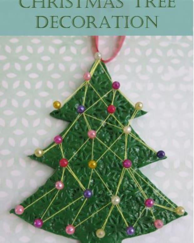 diy-holiday-craft-string-art-christmas-tree-decoration