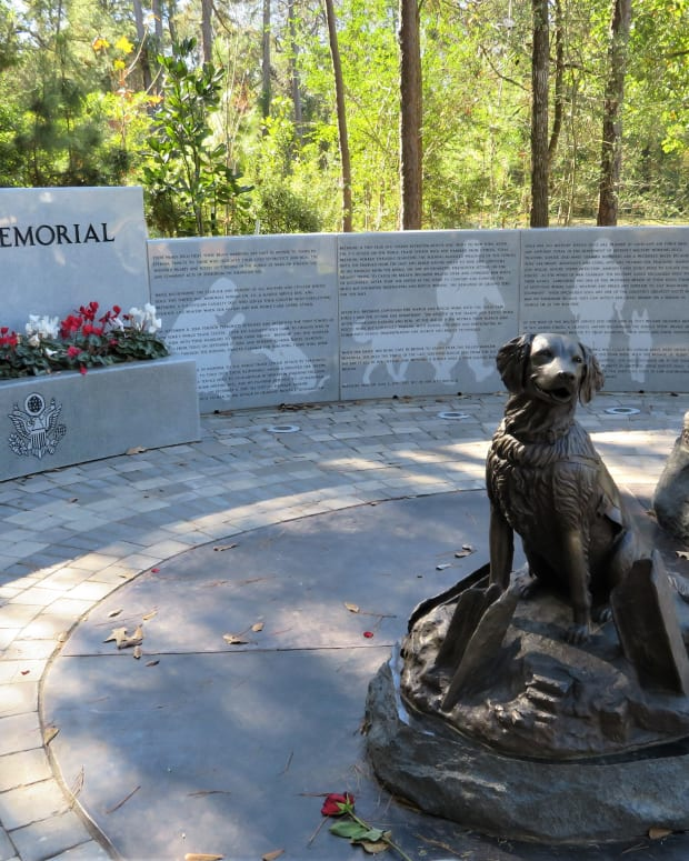 service-dog-memorial-in-houston