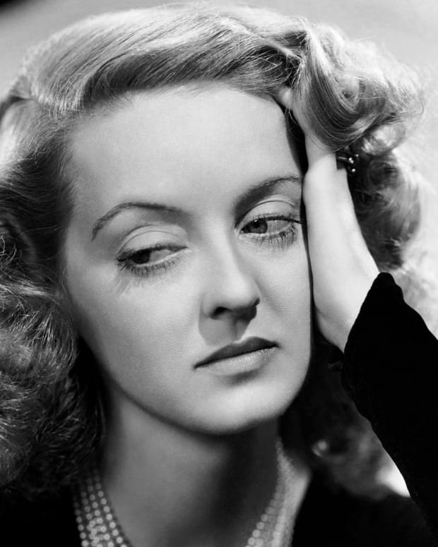 living-life-on-the-edge-bette-davis-style
