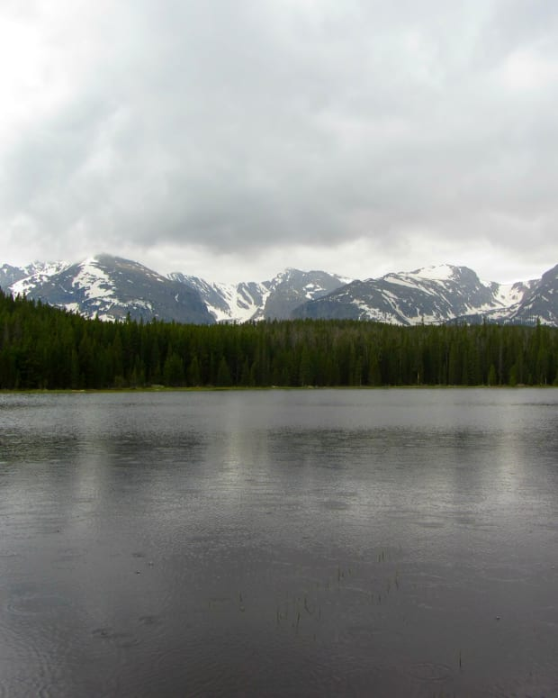 hiking-to-bierstadt-lake-in-rocky-mountain-national-park