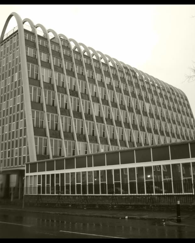 modernist-architecture-in-manchester