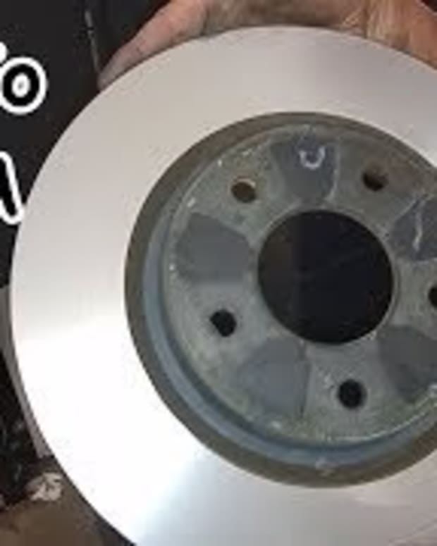 should-you-replace-or-resurface-the-brake-rotors-at-every-brake-pad-replacement-with-video-showing-rotor-resurfacing