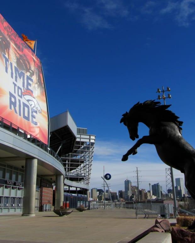 photo-tour-of-the-denver-broncos-stadium