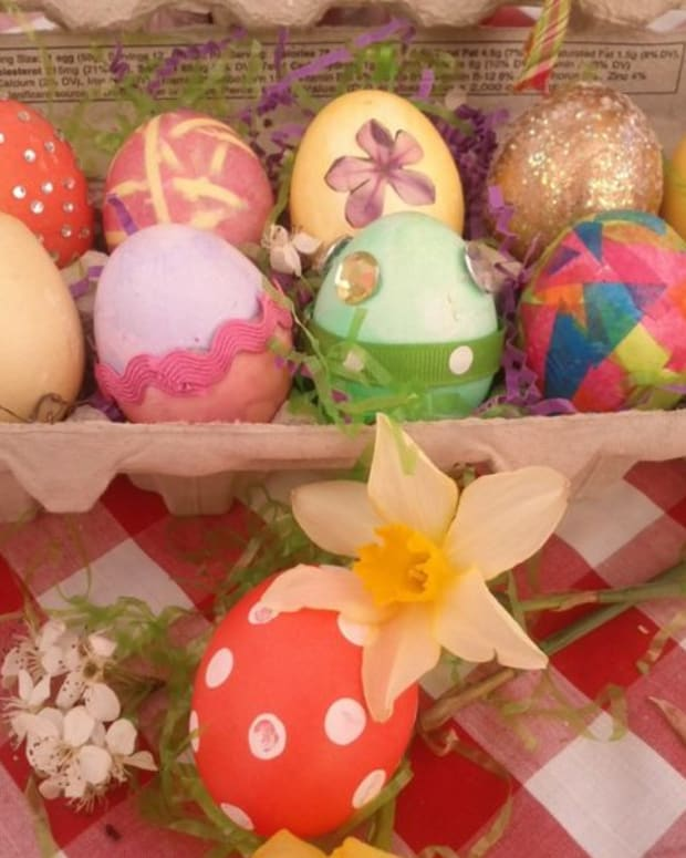 a-dozen-ways-to-bling-your-easter-eggs