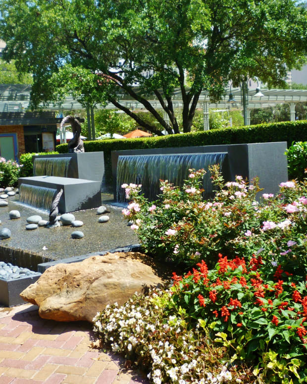 laurens-garden-in-market-square-park-of-houston