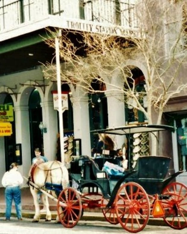 galveston-texas-historic-strand-district-harbor-and-tourism
