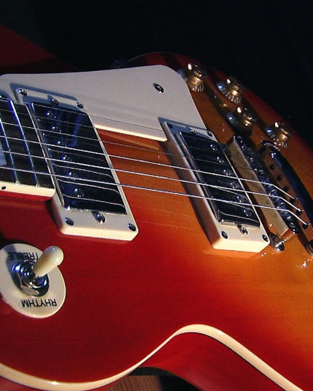 gibson-les-paul-vs-fender-telecaster-which-is-better
