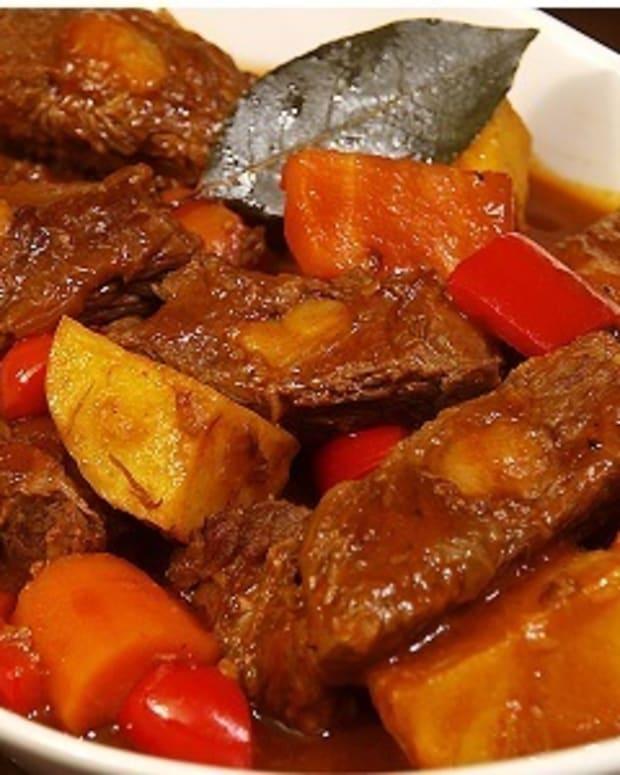 mechadong-baka-philippine-beef-stew
