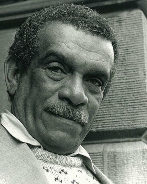 analysis-of-poem-love-after-love-by-derek-walcott