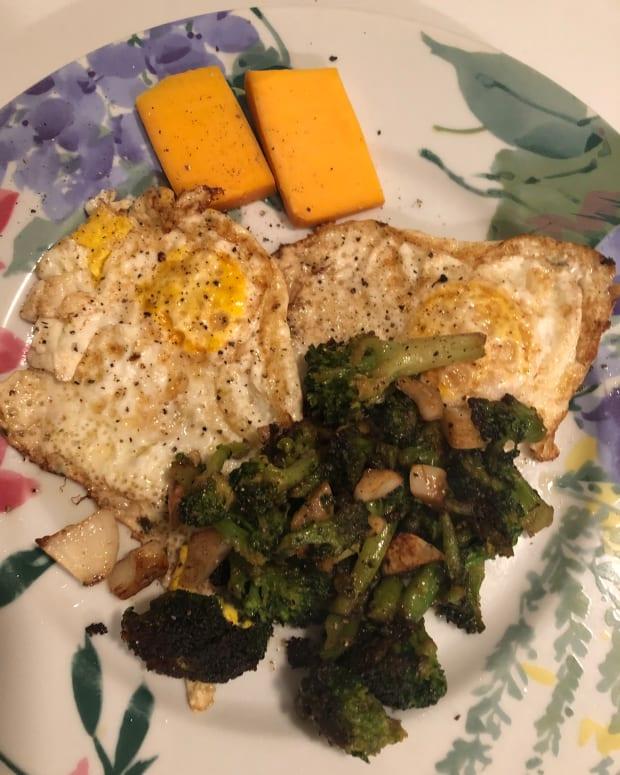 keto-broccoli-plate