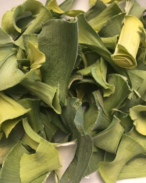 what-can-you-do-with-left-over-leeks-make-leek-chips