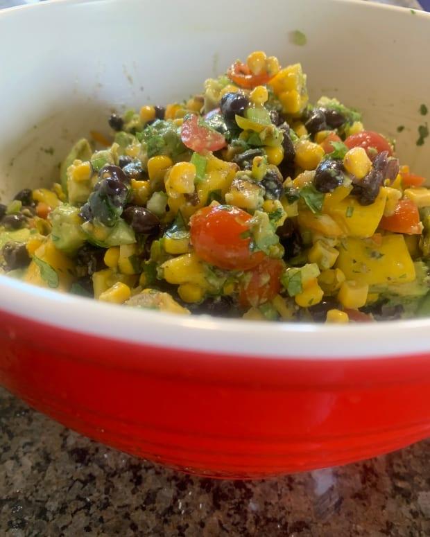 mouth-watering-vegetarian-black-bean-avocado-and-mango-salsa