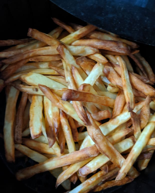 air-fryer-raw-potato-to-french-fries