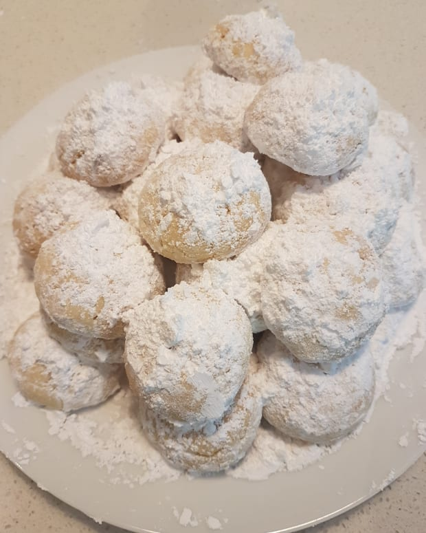 how-to-make-greek-shortbread-biscuits-kourambiethes