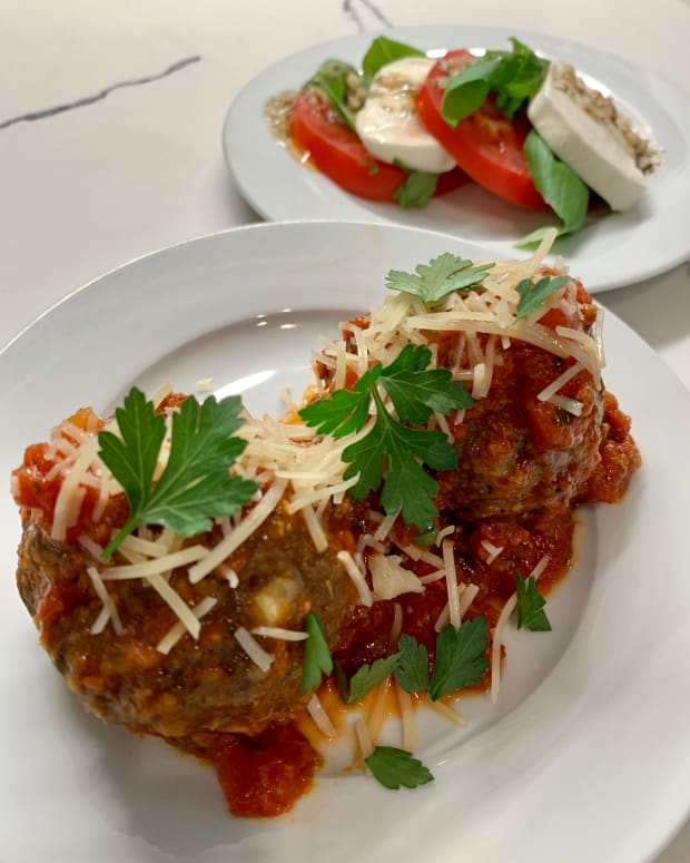 italian-meatballs-with-caprese-salad