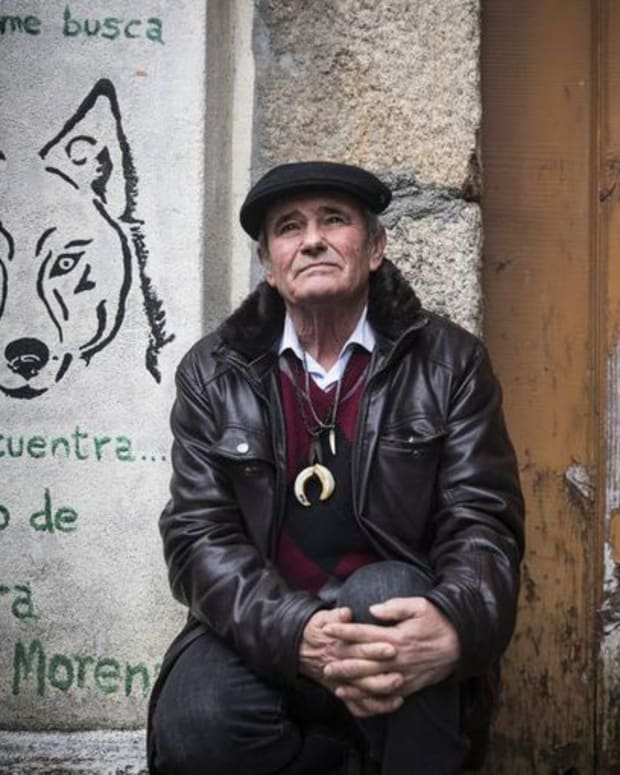 marcos-rodrguez-pantoja-the-real-story-of-a-man-who-was-raised-among-wolves