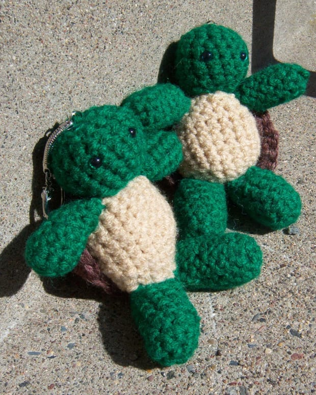 how-to-crochet-a-turtle-keychain