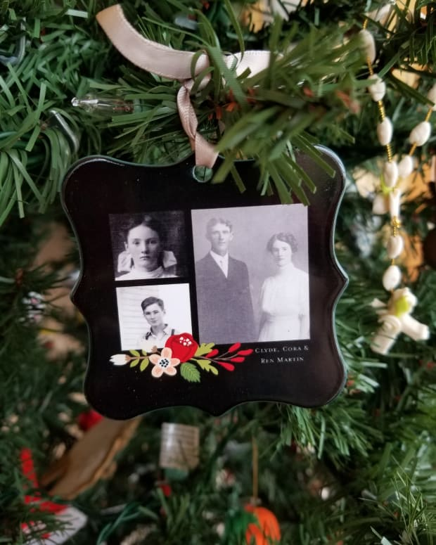 a-family-history-christmas-tree