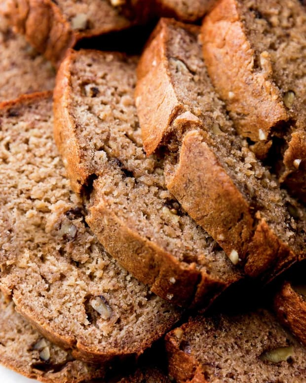 moist-non-soggy-banana-bread