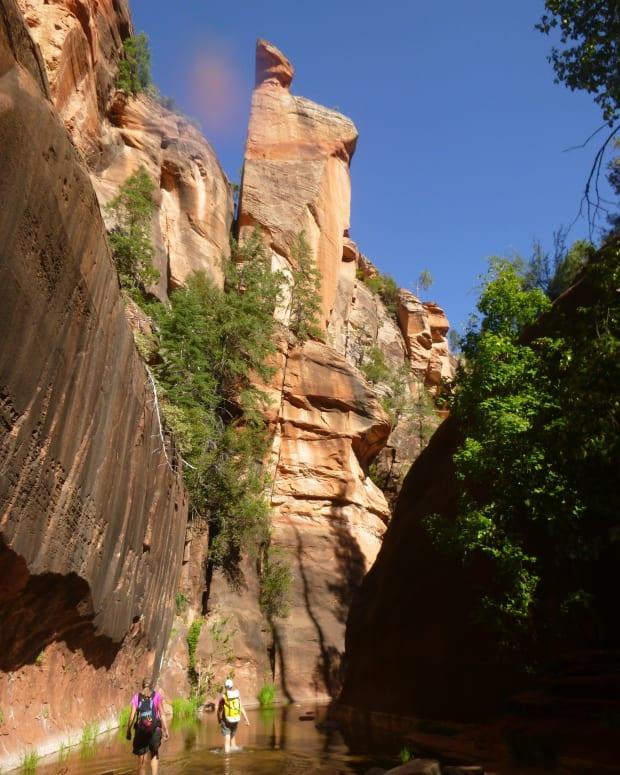 thru-hiking-the-west-fork-canyon-of-oak-creek-canyon