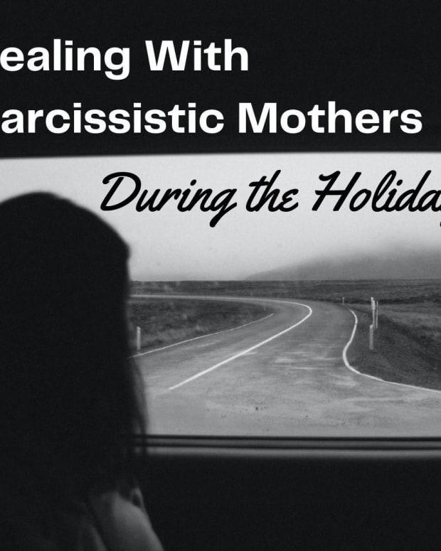 narcissistic-mothers-during-the-holidays