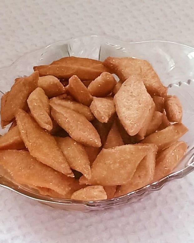 shankarpali-recipe-sweet-crispy-fritters