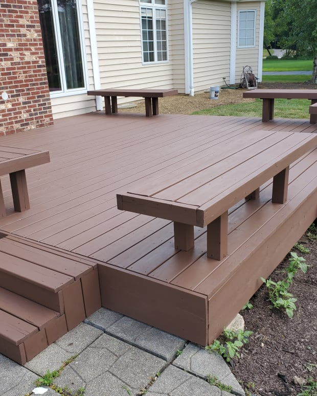 tips-for-applying-solid-deck-stain