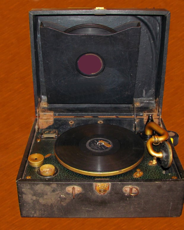 nostalgic-memories-of-a-gramophone
