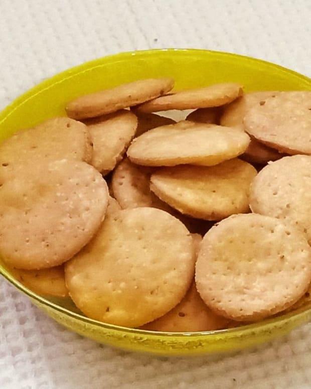 crispy-papdi-for-chaats-recipe