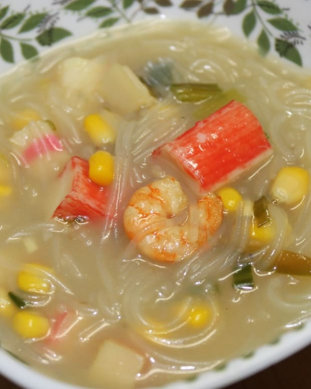 filipino-sotanghon-noodle-soup-with-shrimp-and-imitation-crab