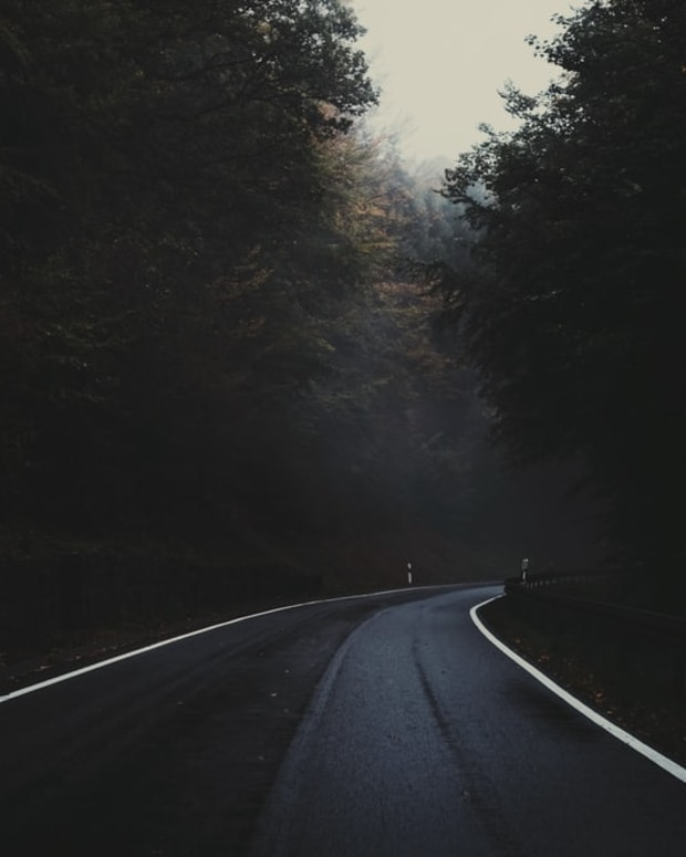 supernatural-encounter-on-a-dark-highway